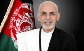 Посольство РФ: президент Афганистана убегал из Кабула с набитыми деньгами машинами